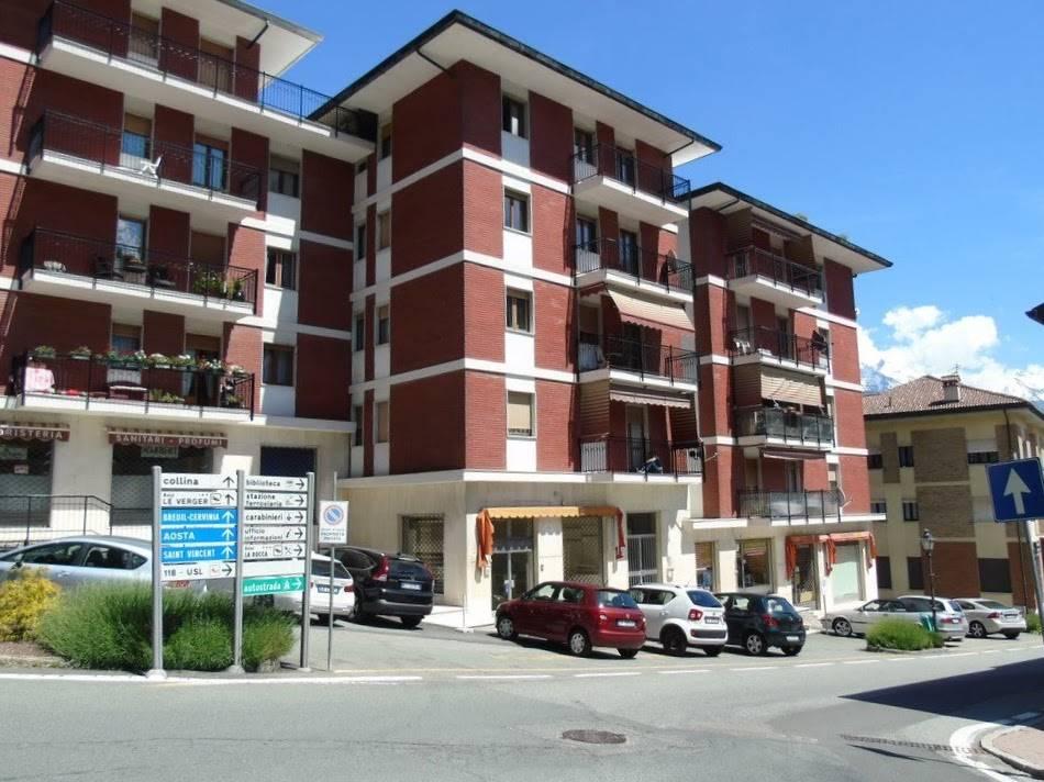 Negozio / Locale in vendita a Chatillon, 2 locali, prezzo € 98.000 | CambioCasa.it
