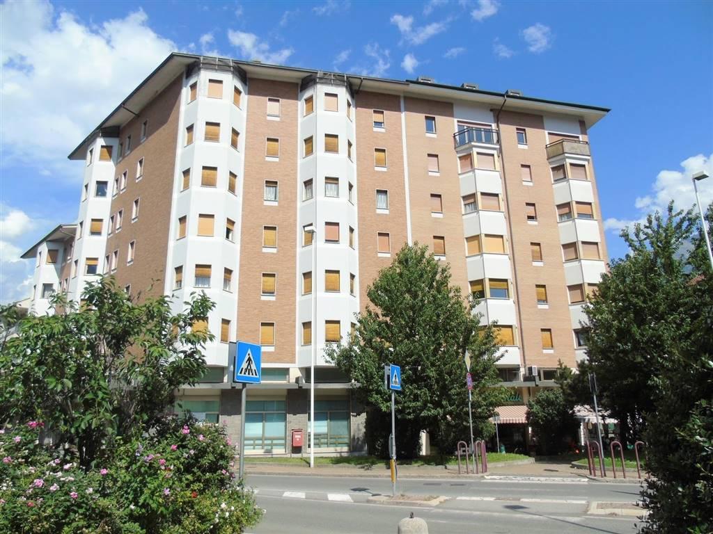 Appartamento in vendita a Aosta, 4 locali, zona Località: CENTRO CITTÀ, prezzo € 230.000 | CambioCasa.it
