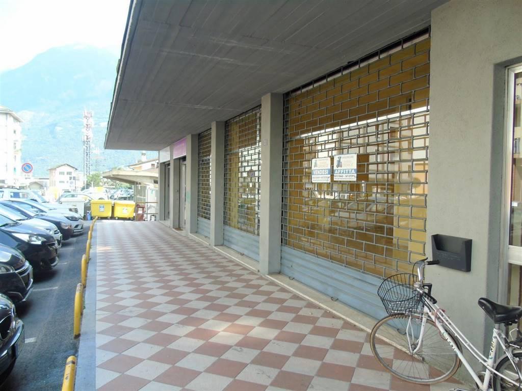 Attività / Licenza in vendita a Aosta, 2 locali, zona Zona: Centro, prezzo € 135.000 | CambioCasa.it