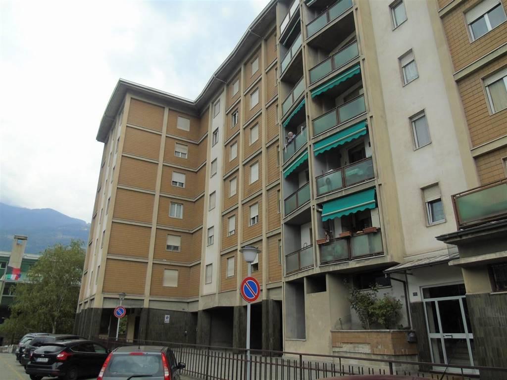 Quadrilocale in Via Chambéry, Centro, Aosta