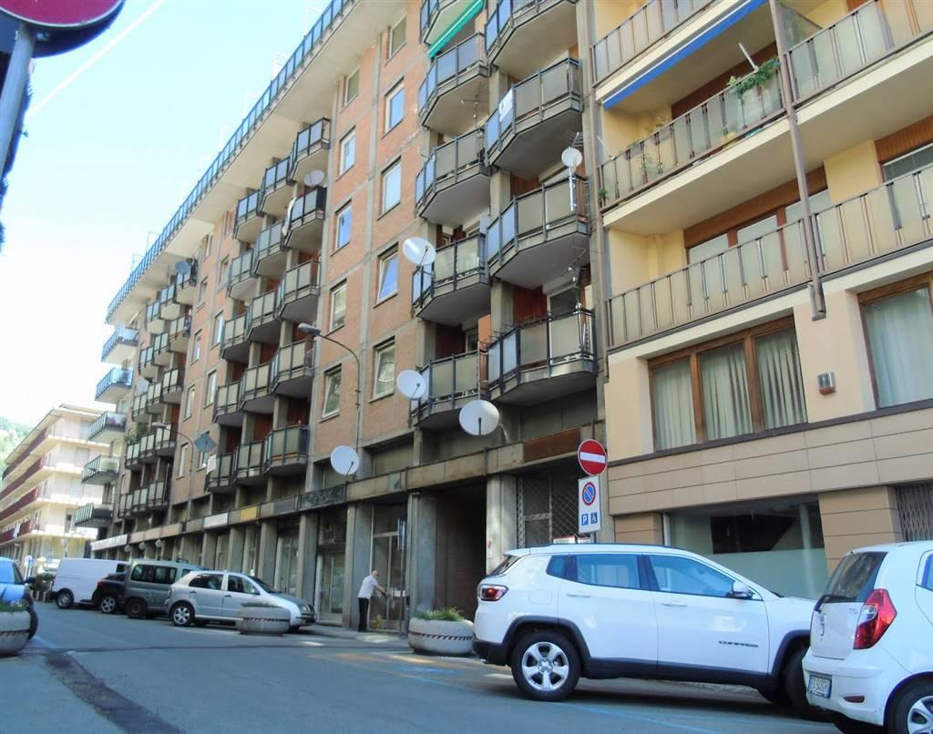 Appartamento in vendita a Aosta, 4 locali, zona Zona: Centro, prezzo € 160.000 | CambioCasa.it