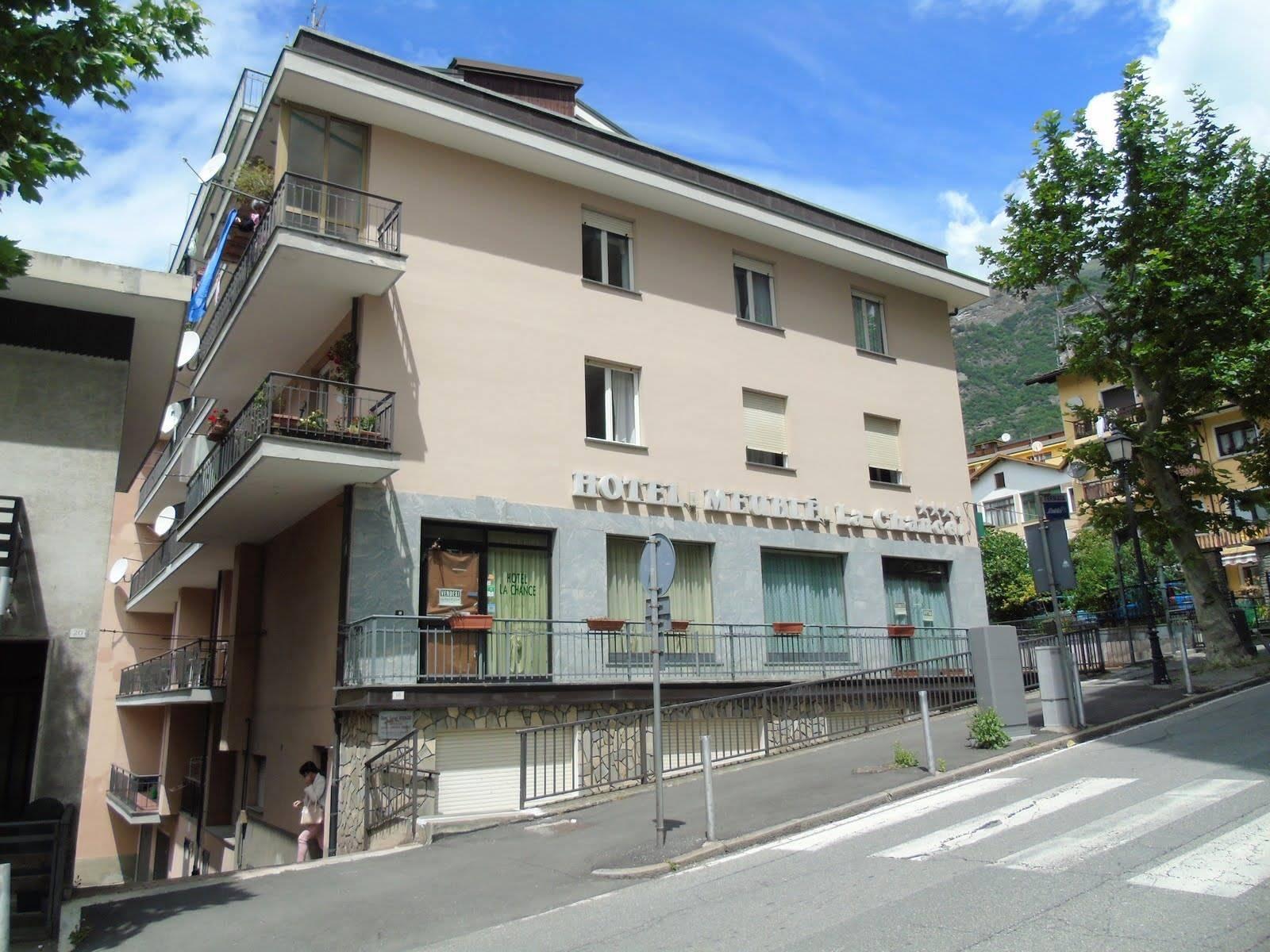 Appartamento in vendita a Saint-Vincent, 4 locali, prezzo € 120.000 | CambioCasa.it