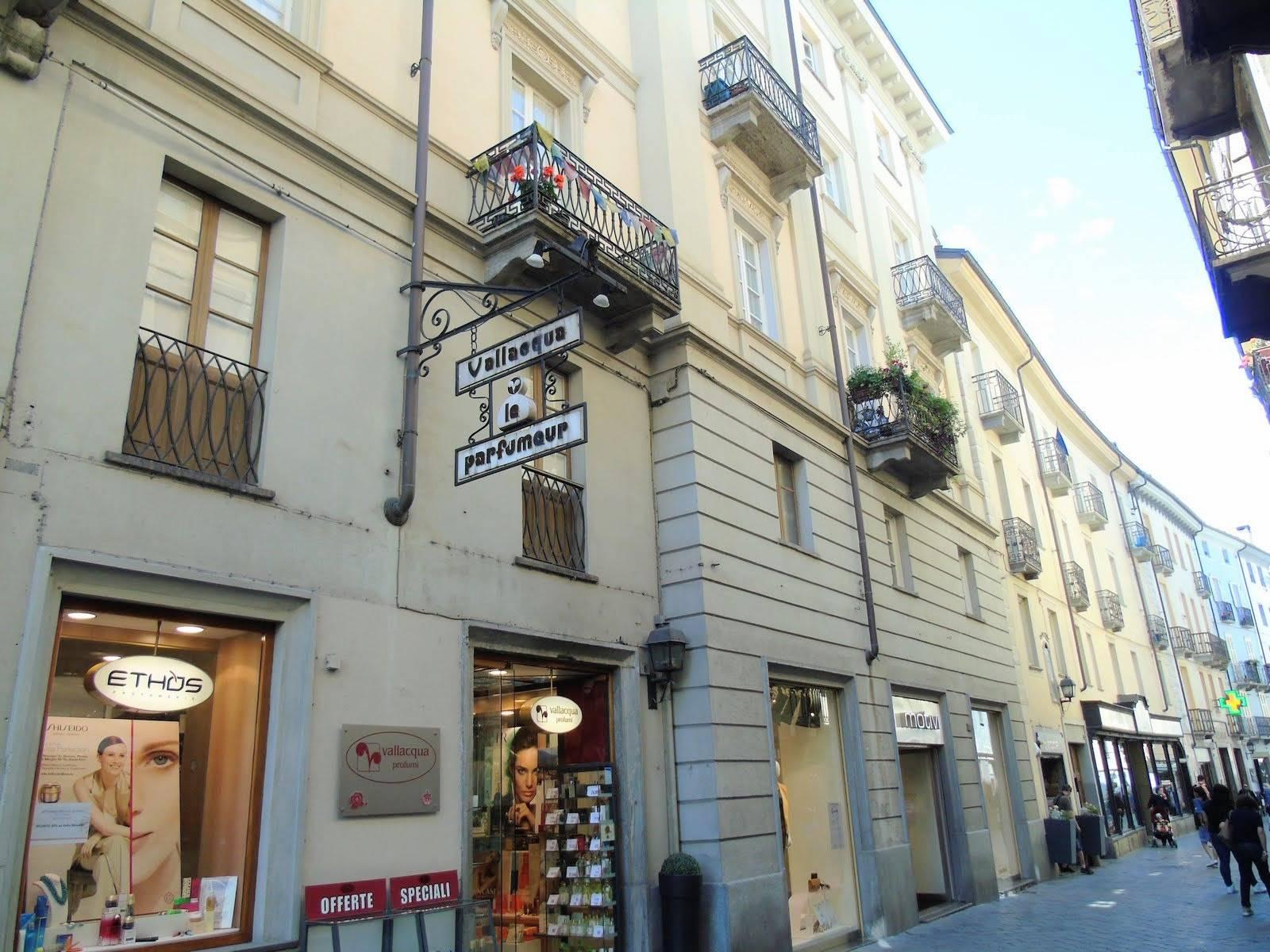 Ufficio / Studio in vendita a Aosta, 3 locali, zona Zona: Centro, prezzo € 240.000 | CambioCasa.it