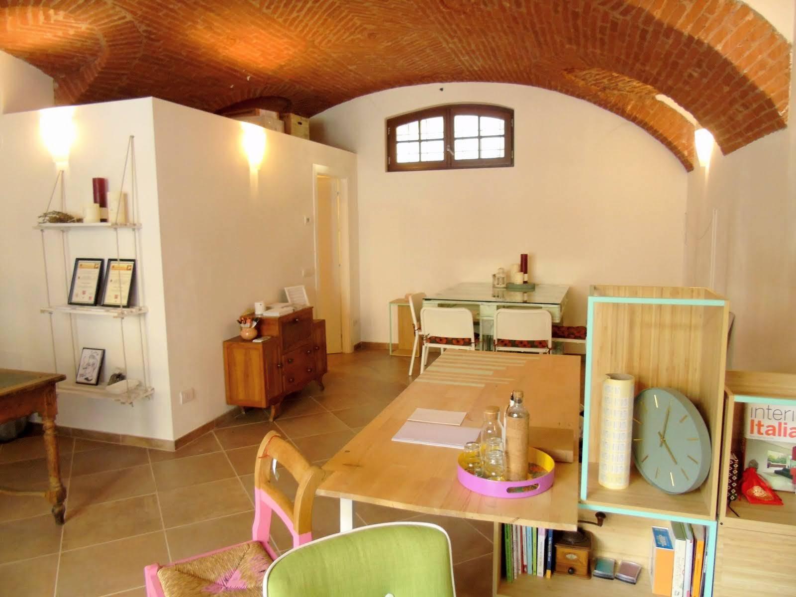Immobile Commerciale in affitto a Aosta, 1 locali, zona ro, prezzo € 400 | PortaleAgenzieImmobiliari.it