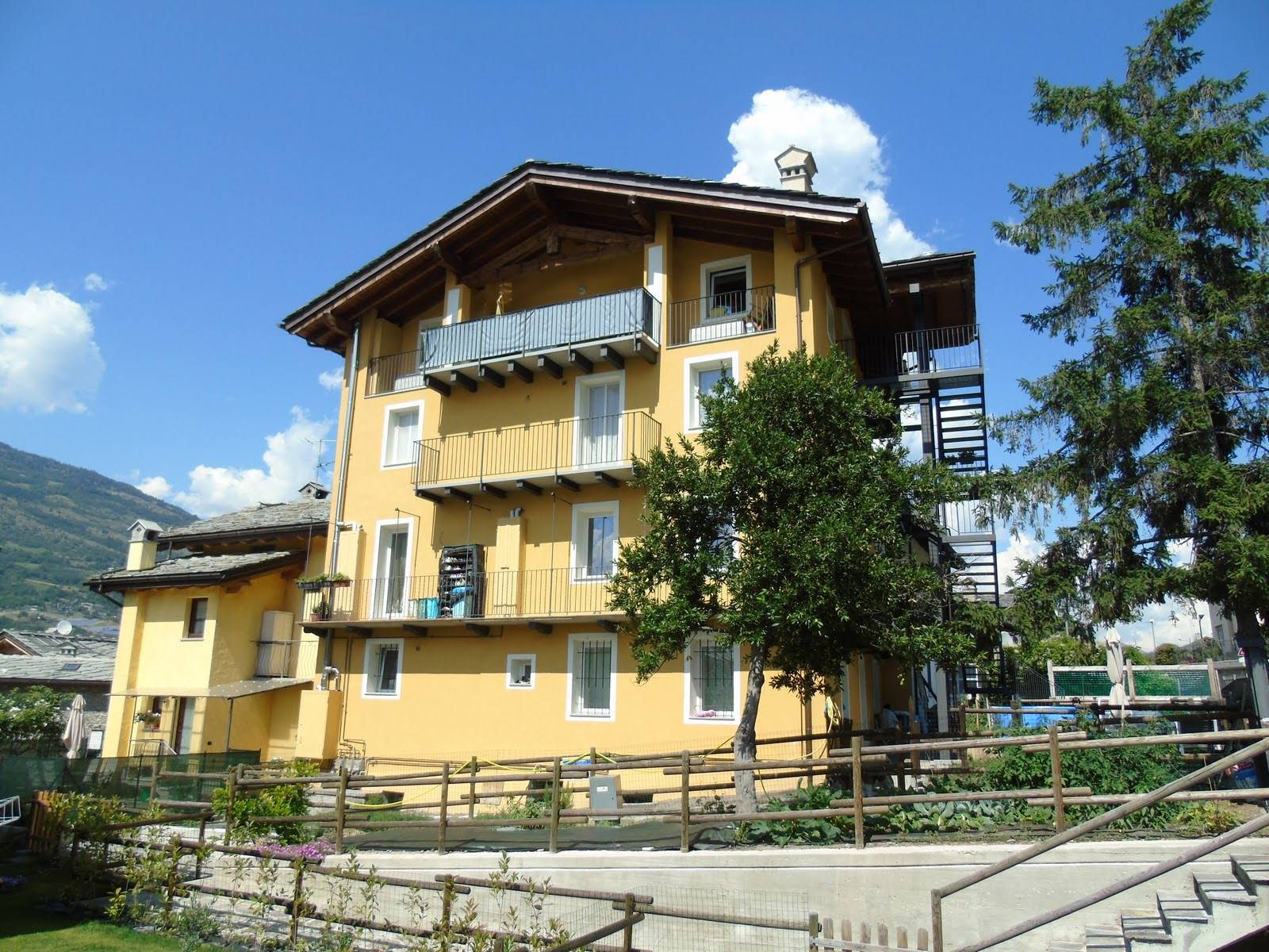 Soluzione Indipendente in affitto a Gressan, 3 locali, prezzo € 580 | PortaleAgenzieImmobiliari.it