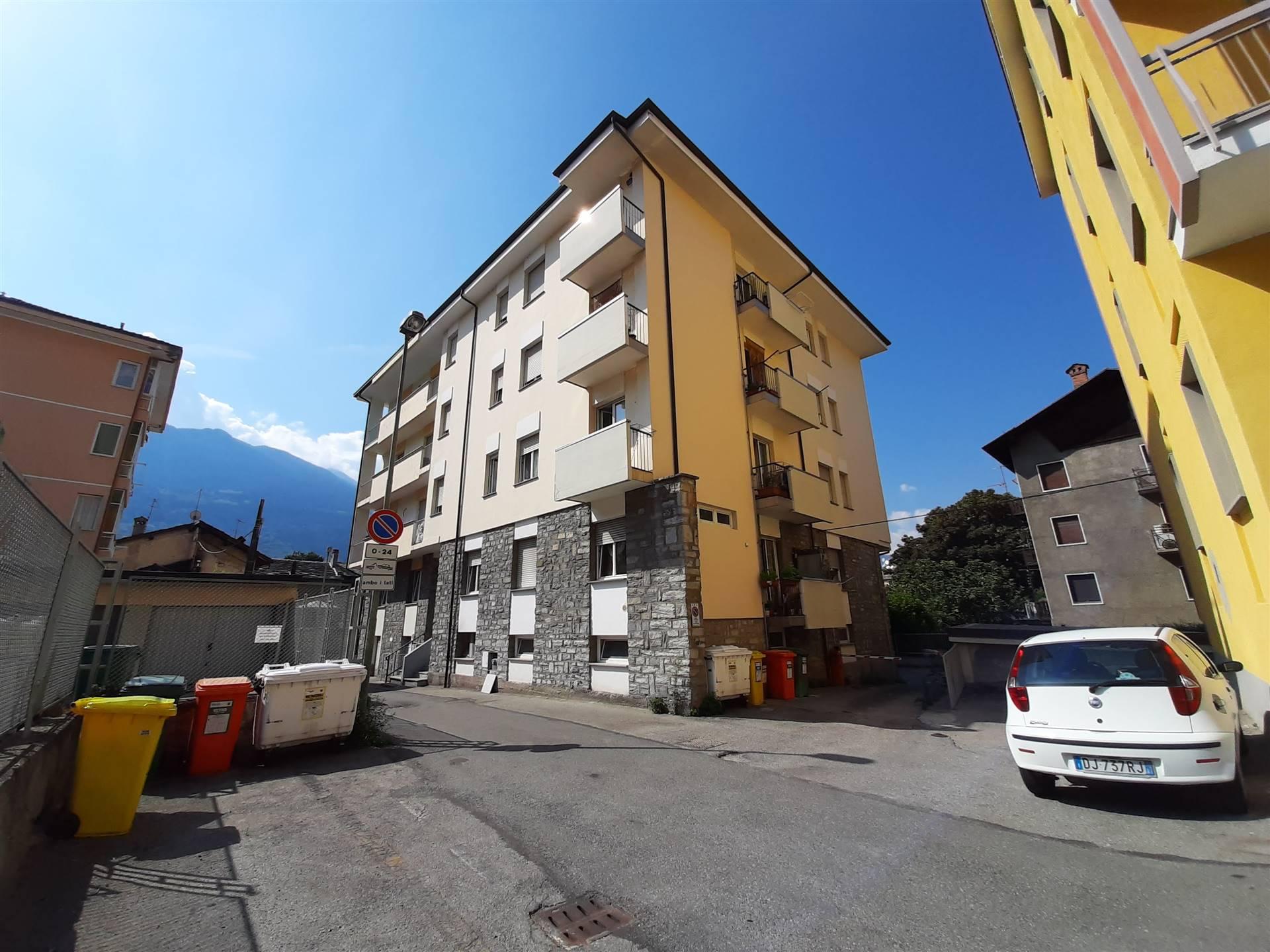 garage-Box-posto auto Affitto Aosta