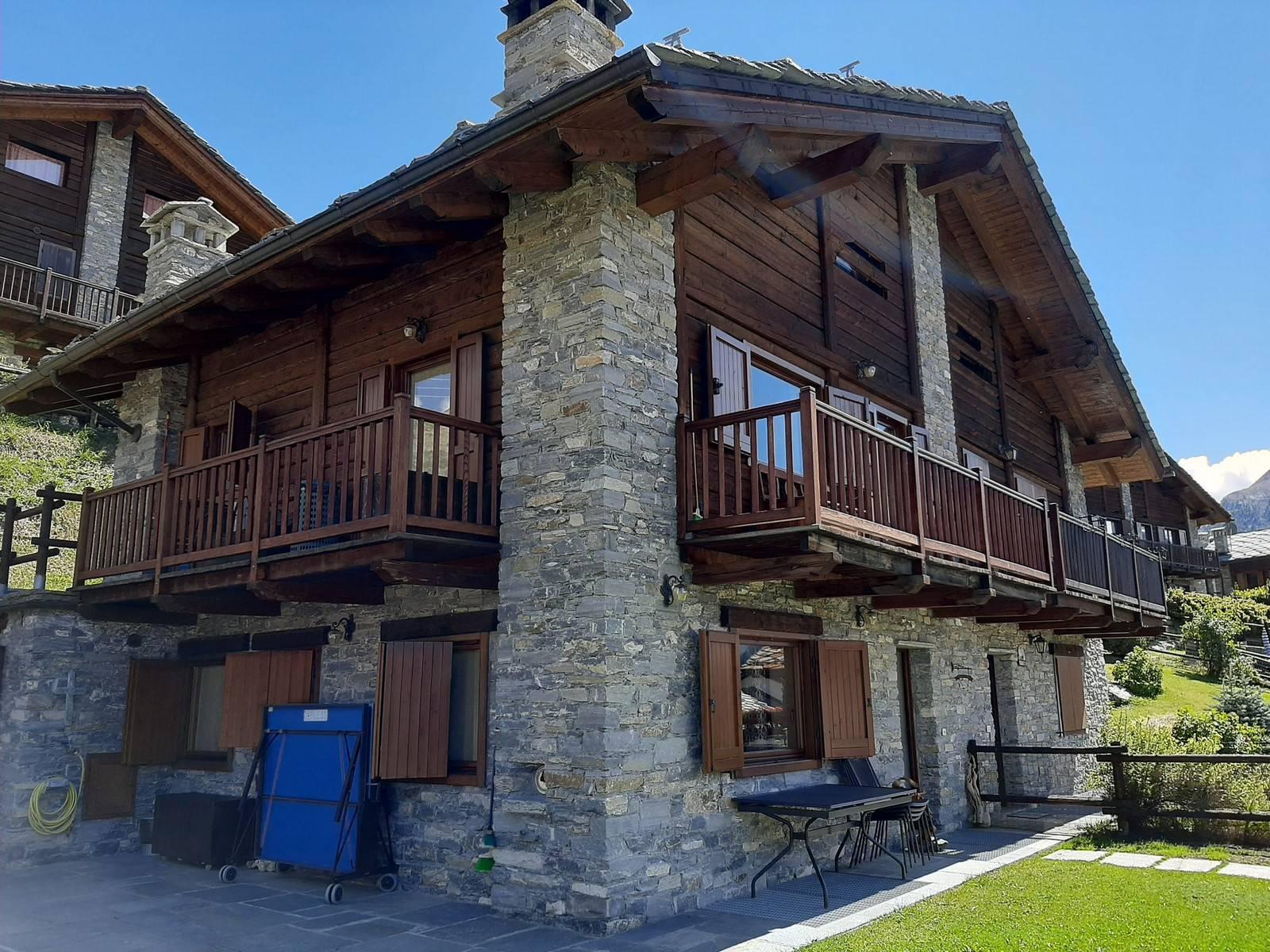Villa Bifamiliare in vendita a Cogne, 5 locali, zona llan, prezzo € 750.000 | PortaleAgenzieImmobiliari.it