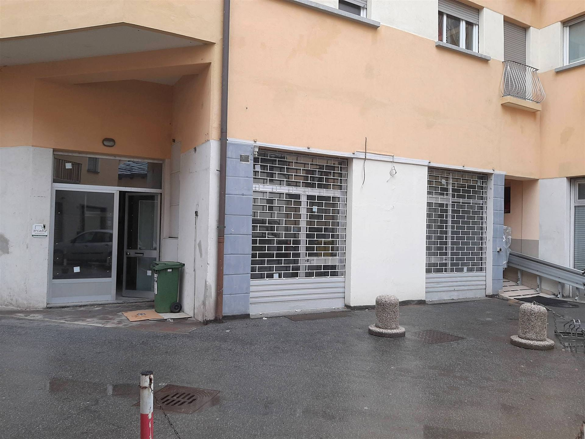 Ufficio / Studio in affitto a Aosta, 4 locali, zona Zona: Centro, prezzo € 700 | CambioCasa.it
