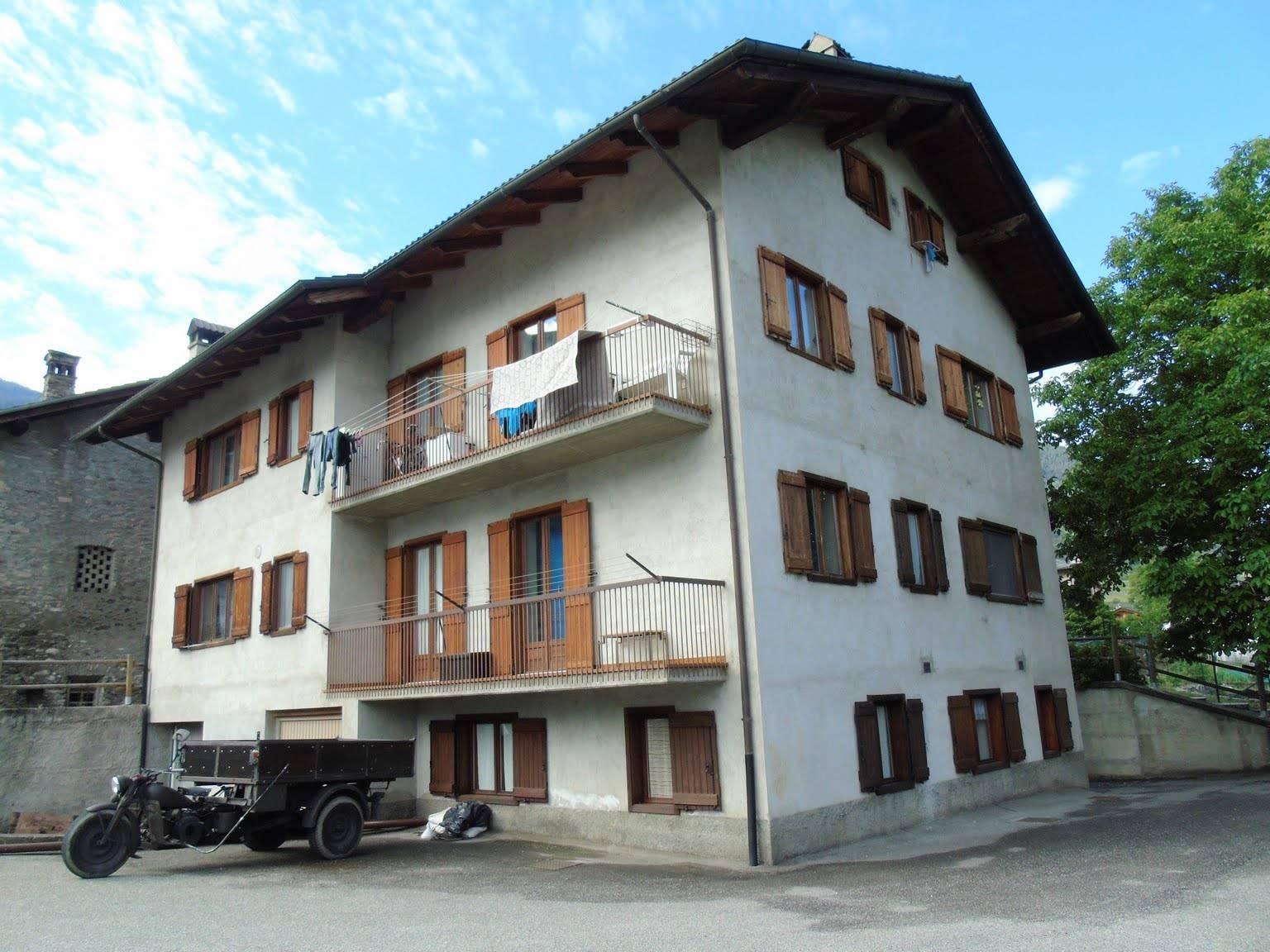 Appartamento in affitto a Gressan, 1 locali, prezzo € 340 | CambioCasa.it