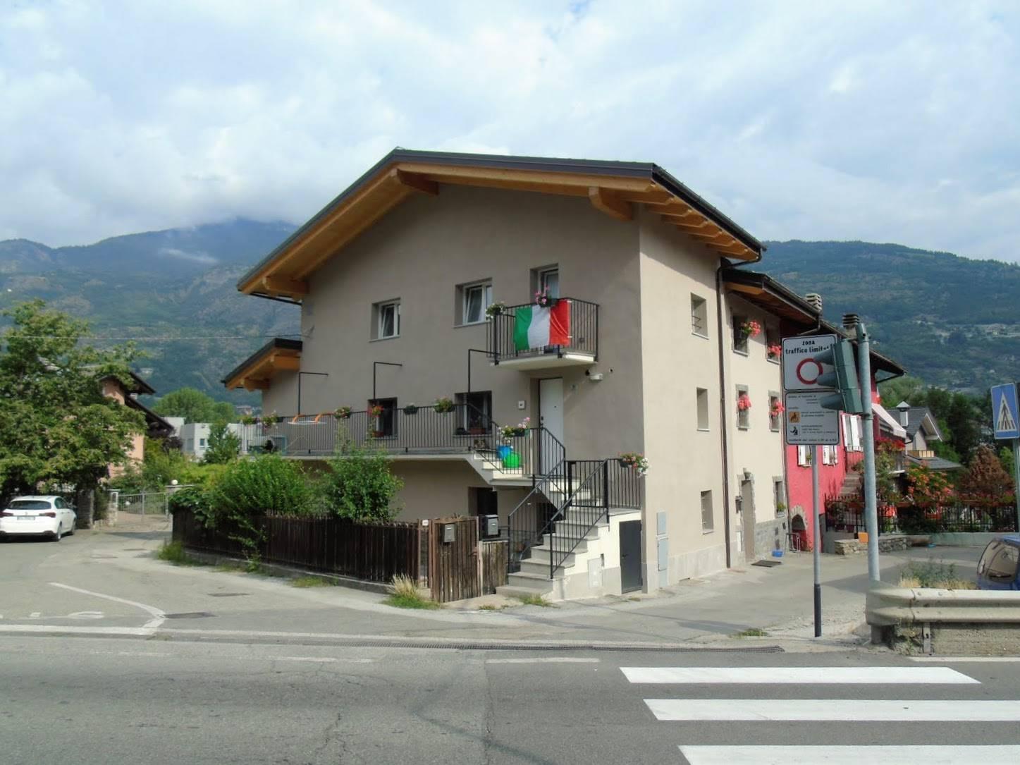 Soluzione Indipendente in vendita a Gressan, 5 locali, prezzo € 209.000   CambioCasa.it