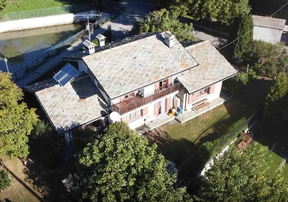 Villa in vendita a Saint-Denis, 8 locali, prezzo € 395.000   CambioCasa.it
