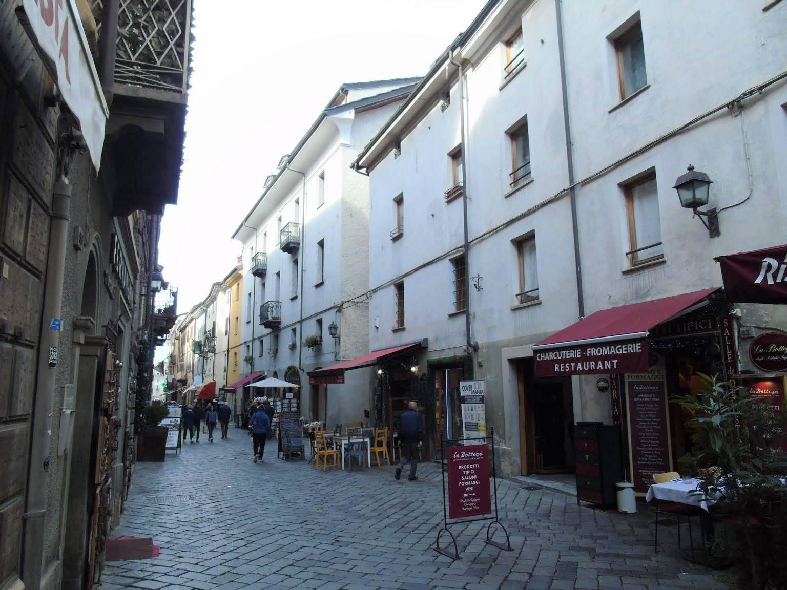 Appartamento in affitto a Aosta, 4 locali, zona Zona: Centro, prezzo € 750 | CambioCasa.it