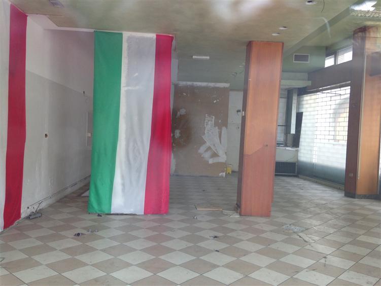 Negozio, P.zza Duomo, Piacenza, abitabile