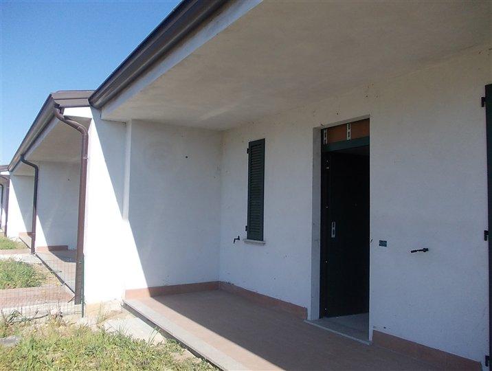 Villa a Schiera in vendita a San Giorgio Piacentino, 4 locali, zona Località: SAN GIORGIO, prezzo € 220.000 | CambioCasa.it