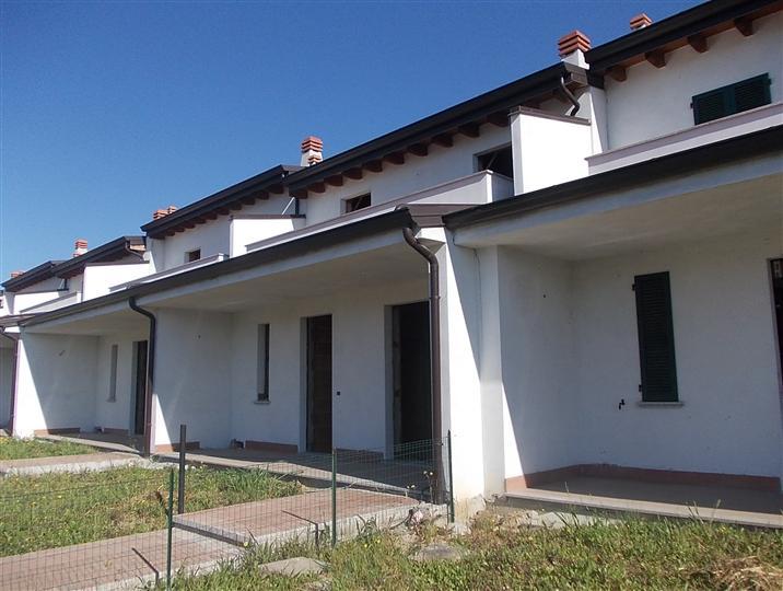 A San Giorgio Piacentino in Vendita Villa a Schiera