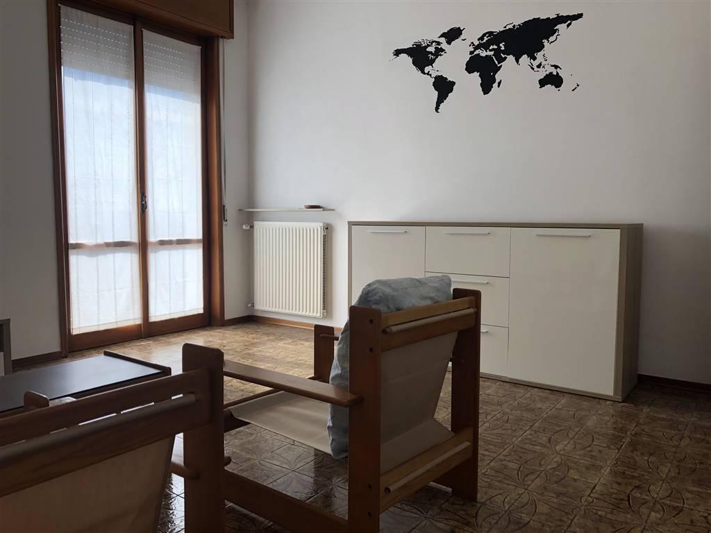 Trilocale in Via Maria Luigia D'austria 0, Quart. 2000, Piacenza