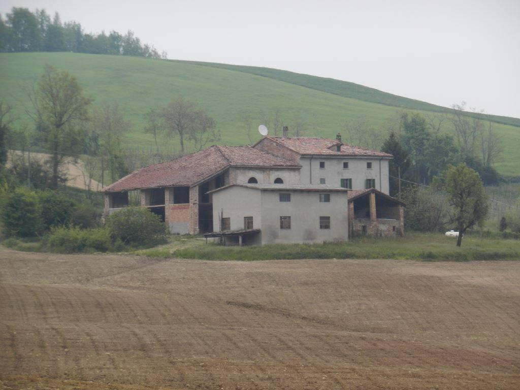 Rustico casale in Case Nuove, Carmiano, Vigolzone