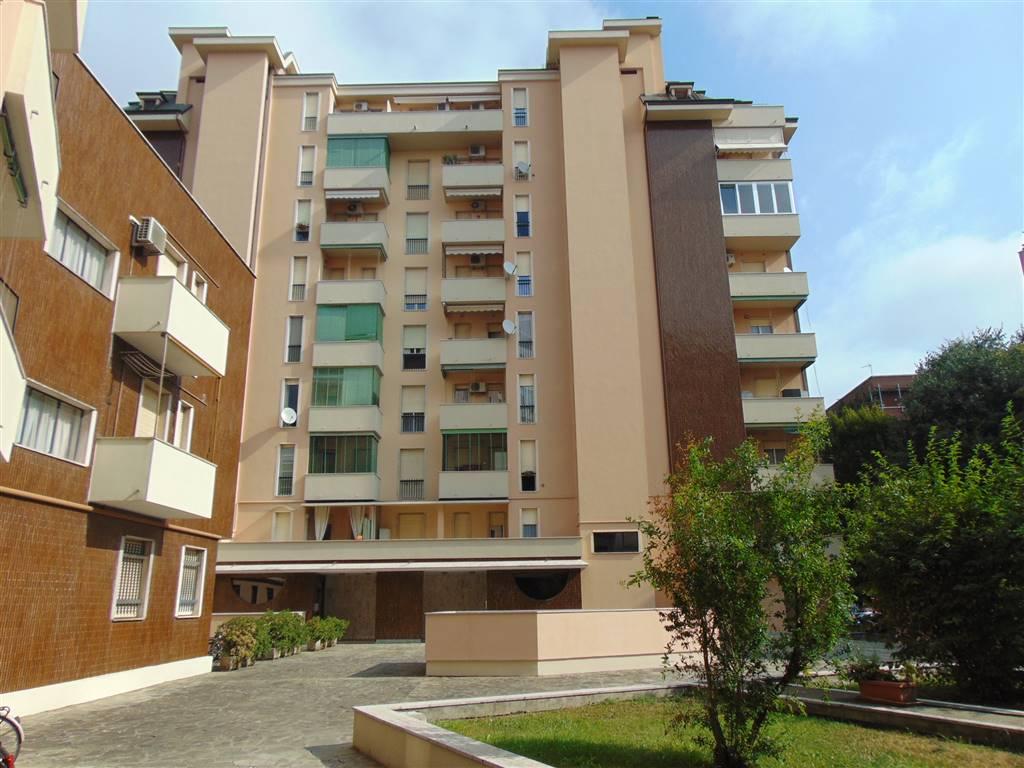 Trilocale, B.ra Genova, Piacenza, abitabile