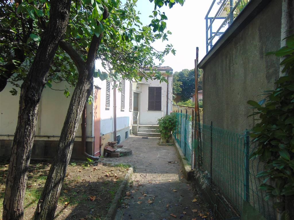 Casa semi indipendente, Piacenza, da ristrutturare