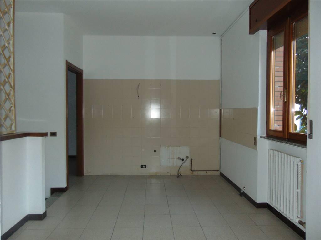 Casa semi indipendente, Infrangibile, Piacenza