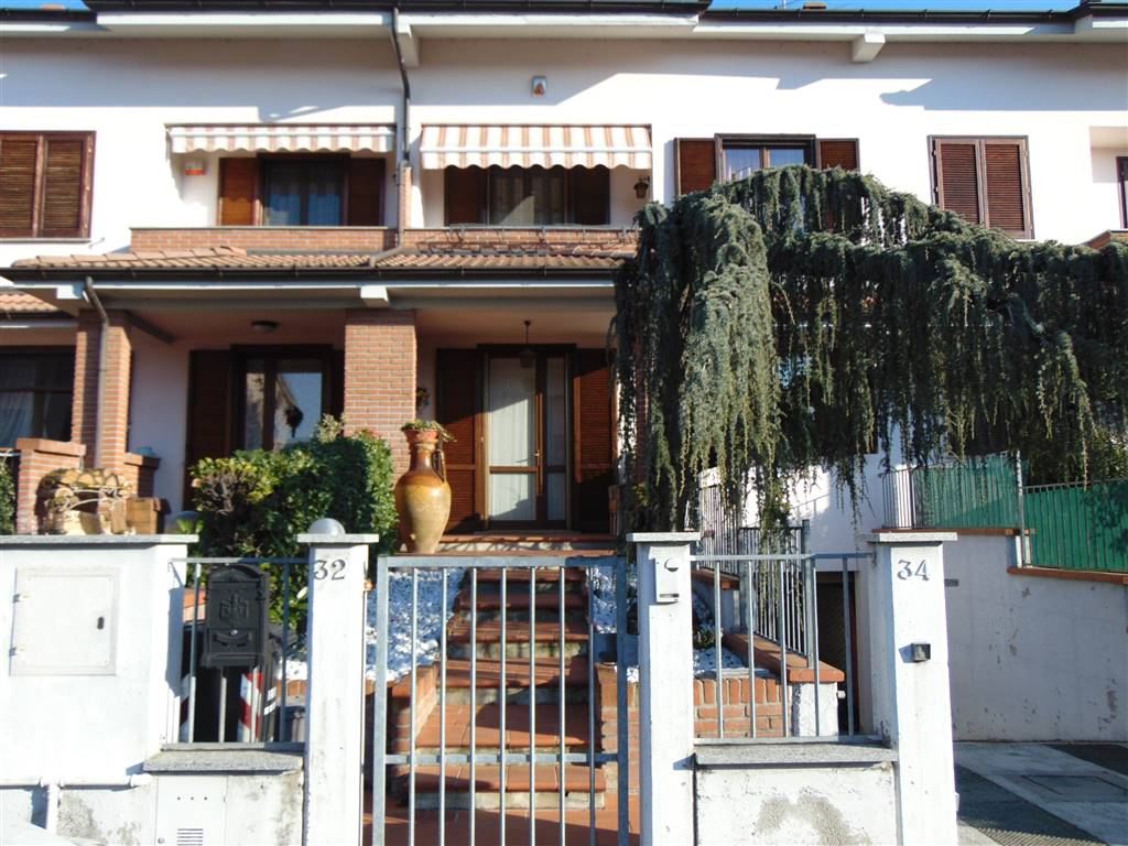 Villa a schiera, Piacenza