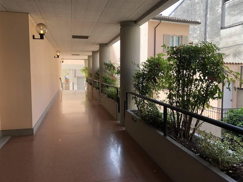Quadrilocale in Via Trebbiola 44, Centro Storico, Piacenza