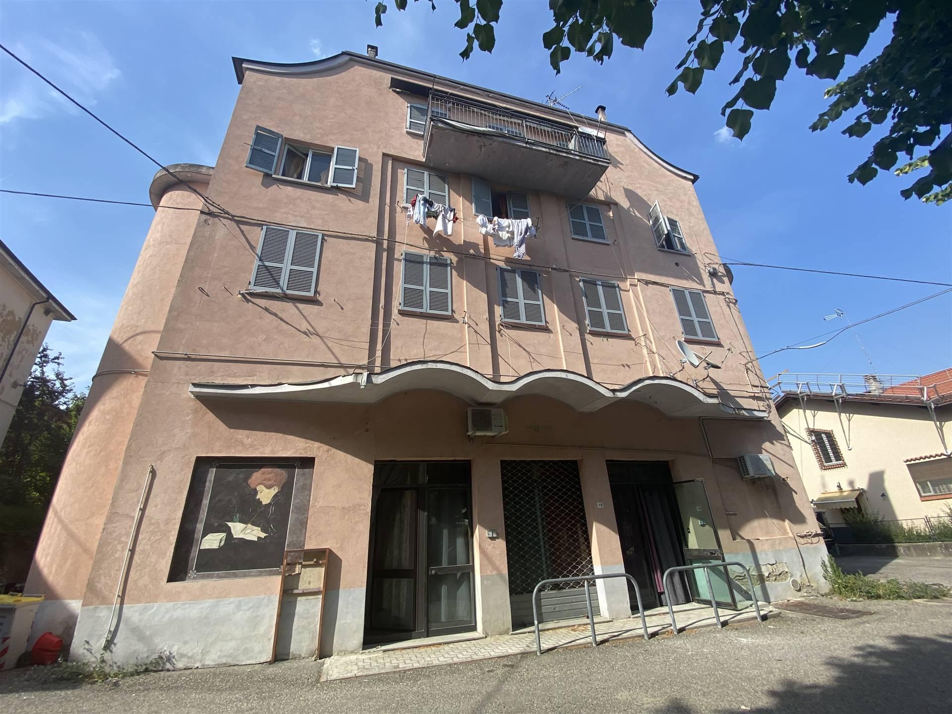 Negozio / Locale in affitto a Gropparello, 2 locali, prezzo € 1.250   CambioCasa.it