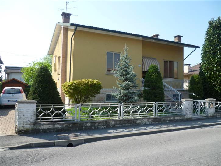 Villa, Luzzara, abitabile