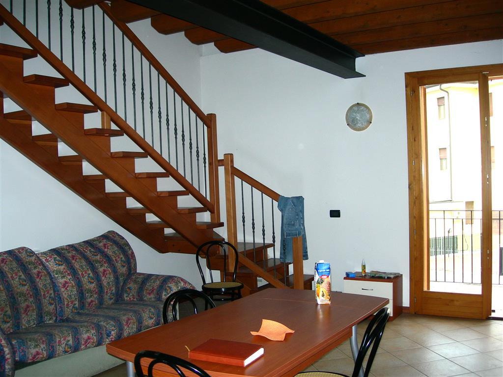 Appartamento in vendita a Motteggiana, 4 locali, prezzo € 75.000 | CambioCasa.it
