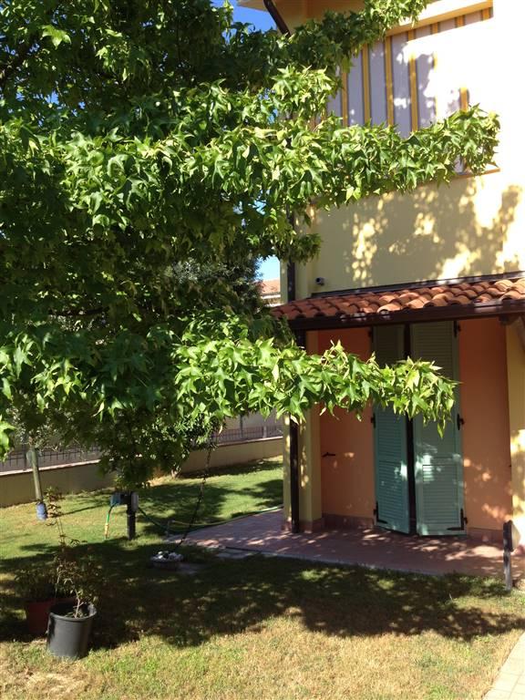 Villa a schiera, Gualtieri, in ottime condizioni
