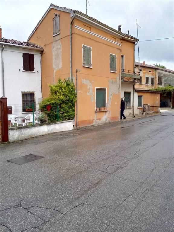 Casa semi indipendente, Frazioni: Villa Saviola, Motteggiana, da ristrutturare