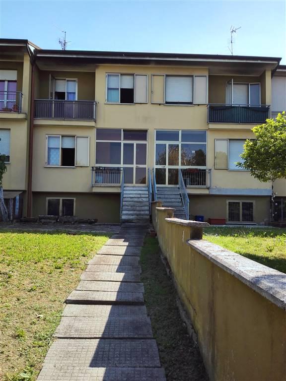Villa a schiera in Via Giuseppe Verdi 15, Poggio Rusco