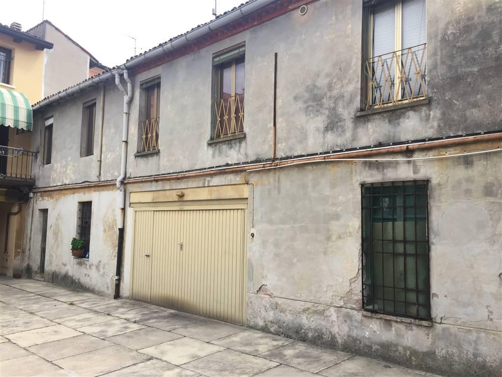 Casa singola, Centro Storico, Mantova, da ristrutturare