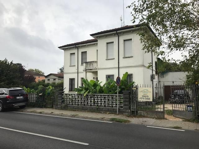 Villa, Suzzara, da ristrutturare