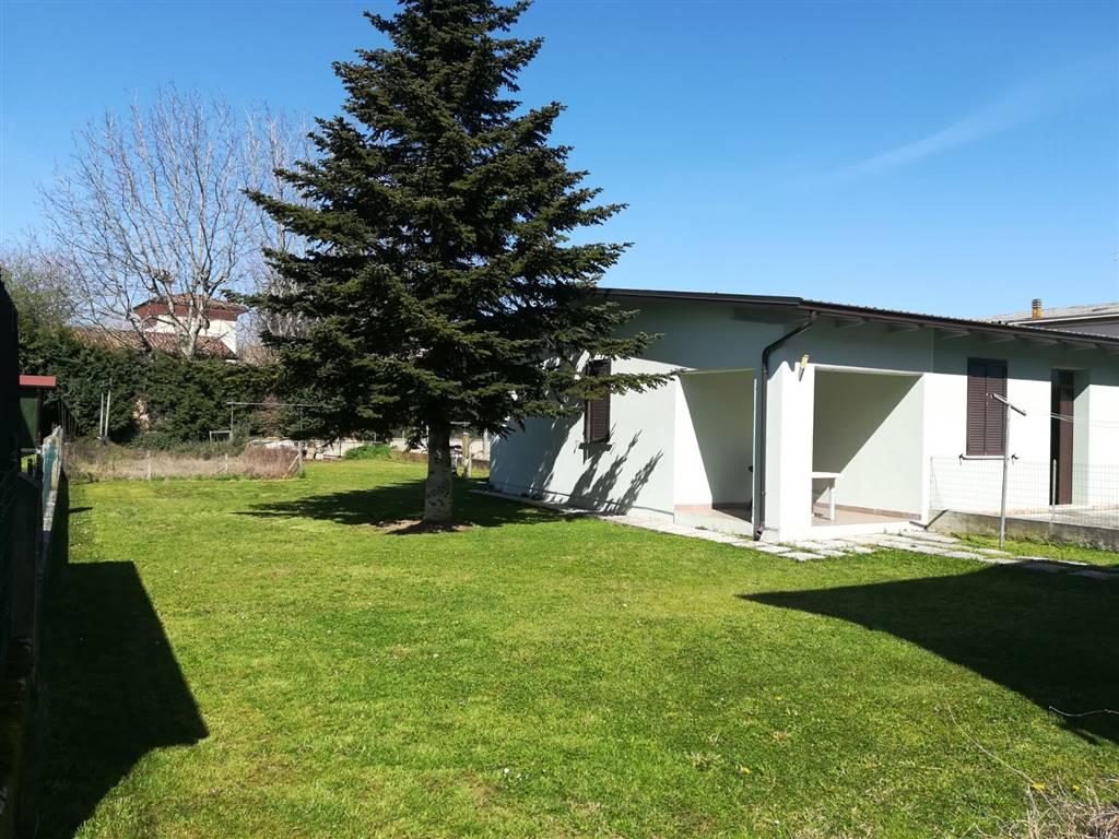 Villa a schiera, Villarotta, Luzzara, in ottime condizioni