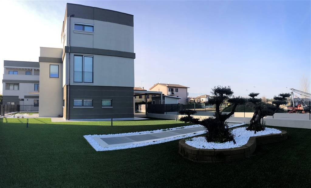 Villa Bifamiliare in vendita a Porto Mantovano, 7 locali, zona Zona: Sant'Antonio (capoluogo), prezzo € 270.000 | CambioCasa.it