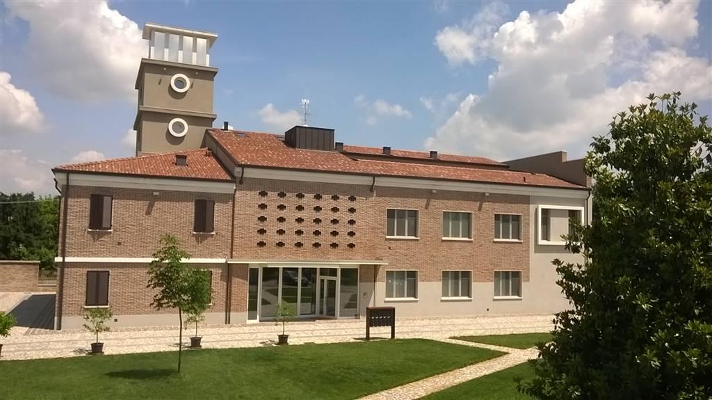 Negozio / Locale in affitto a Porto Mantovano, 4 locali, zona 'Antonio (capoluogo), prezzo € 450 | PortaleAgenzieImmobiliari.it