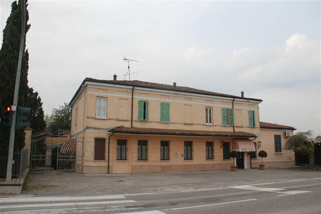 Attività / Licenza in vendita a San Giorgio di Mantova, 21 locali, zona Zona: Ghisiolo, prezzo € 329.000   CambioCasa.it