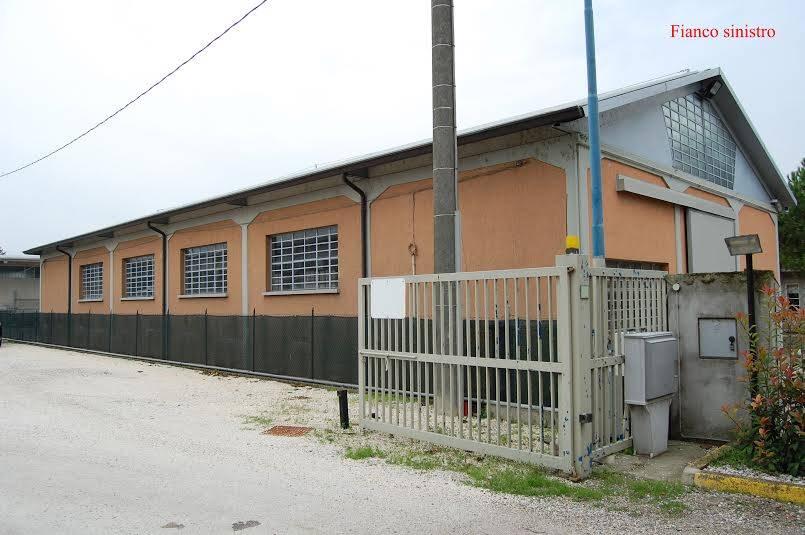 A Porto Mantovano in Affitto Capannone