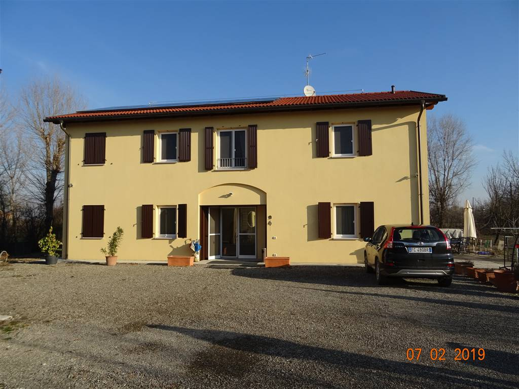 Villa, Carpi, seminuova