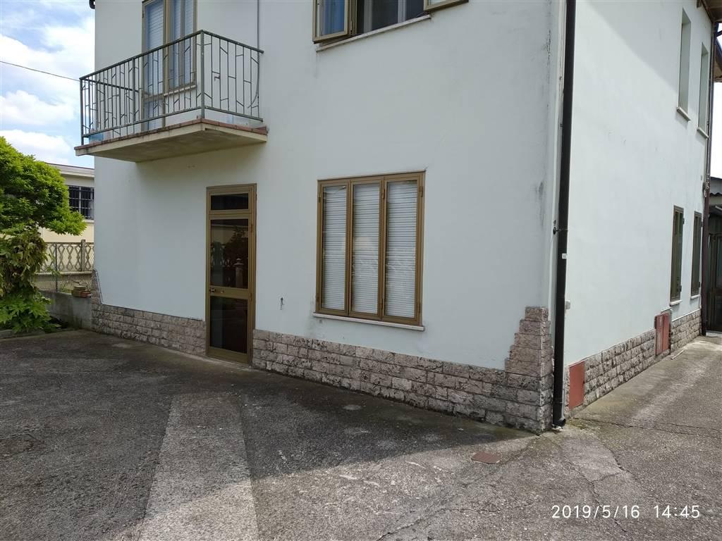 Appartamento indipendente, Luzzara, in ottime condizioni