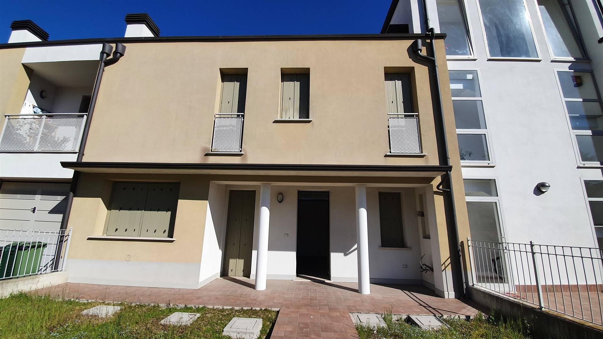 Villa a Schiera in vendita a Moglia, 5 locali, prezzo € 145.000 | CambioCasa.it