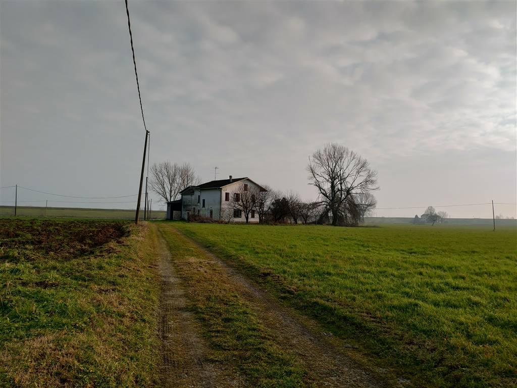 Rustico / Casale in vendita a San Benedetto Po, 10 locali, zona Zona: Portiolo, prezzo € 120.000 | CambioCasa.it