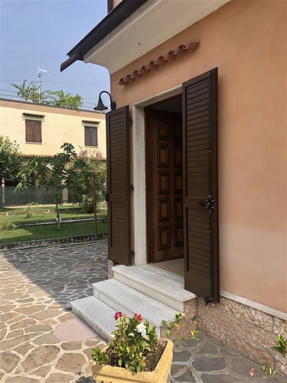 Bifamiliare, Colle Aperto, Mantova