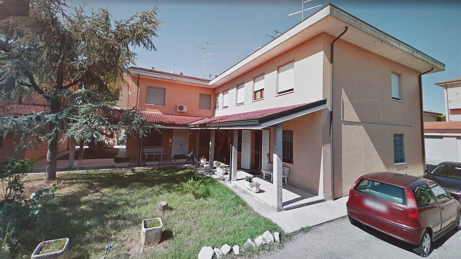 Soluzione Indipendente in vendita a Moglia, 5 locali, prezzo € 89.000 | CambioCasa.it