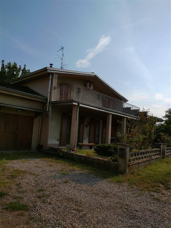 Casa singola in Via Vittorio Veneto  49, Reggiolo