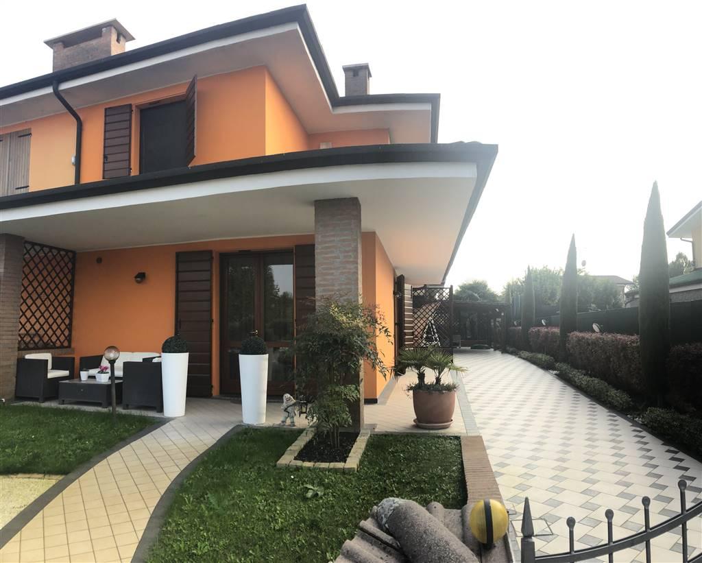 Villa Bifamiliare in vendita a Bagnolo San Vito, 4 locali, prezzo € 235.000 | CambioCasa.it