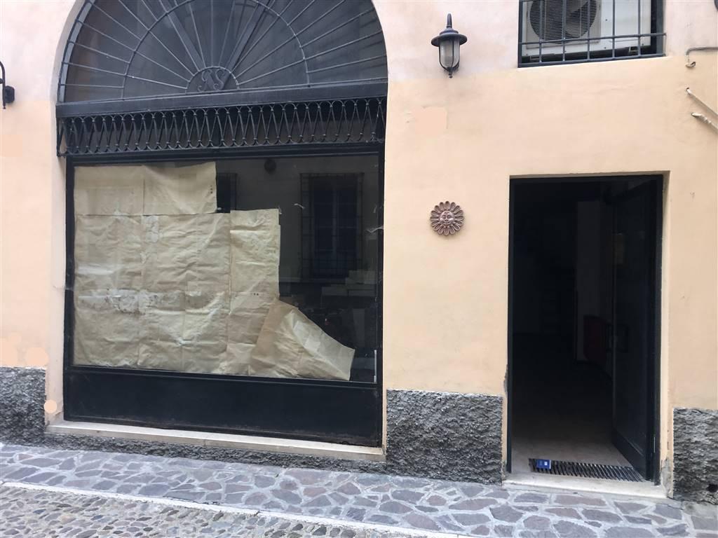 Negozio / Locale in affitto a Mantova, 4 locali, zona Zona: Centro storico, prezzo € 1.000   CambioCasa.it