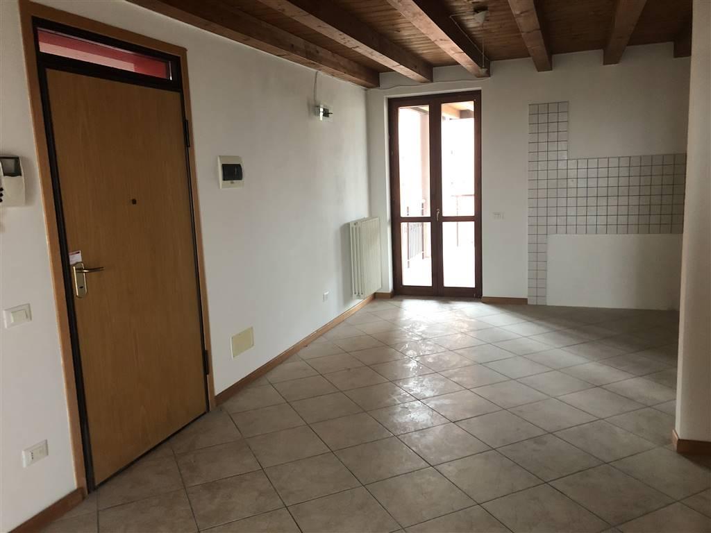 Appartamento in vendita a Castelbelforte, 4 locali, prezzo € 68.000 | PortaleAgenzieImmobiliari.it