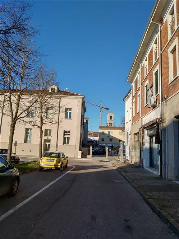 Appartamento in vendita a Quistello, 4 locali, prezzo € 75.000 | CambioCasa.it